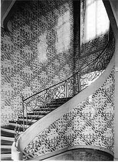 Die Bildfliesen Im Treppenhaus Von Schloss Falkenlust Zu Bruhl